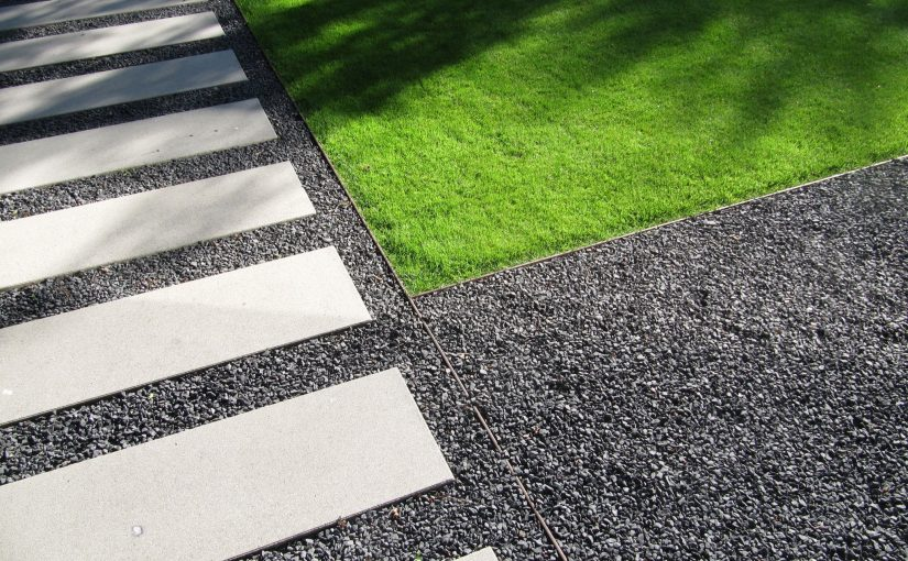 Gartenplanung modern puristischer Garten | Friedberg | Trittplatten Kies