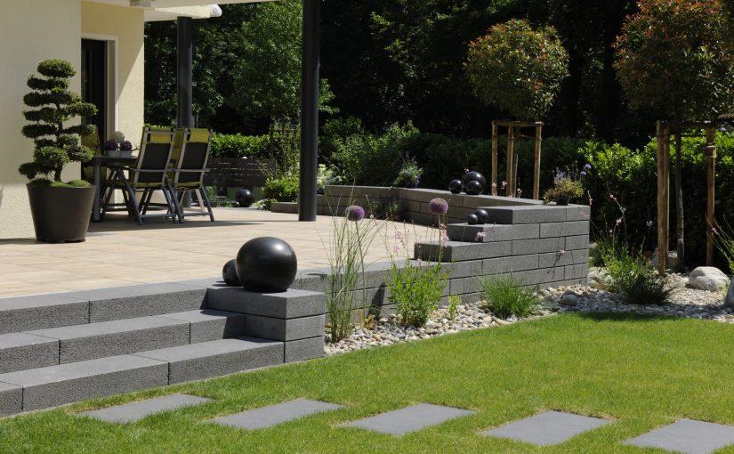 Neugestaltung Garten Feng Shui, Gartendekoration Terrasse, Treppe und Rasen Trittplatten