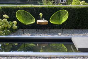 Wasserbecken mit Edelstahlrahmen, moderne Möbel