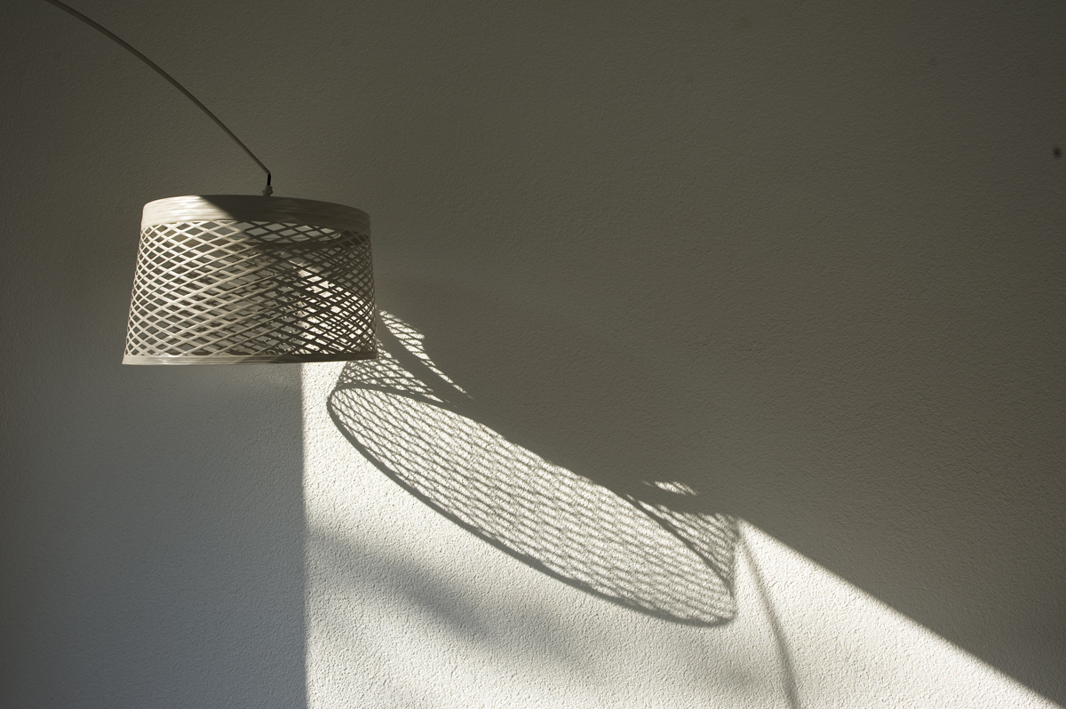 Moderne Beleuchtung auf Terrasse | Schattenspiel