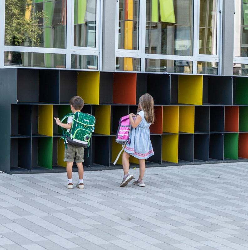 Neu gestalteter Schulhof | Karl-Rehbein-Schule | Schüler